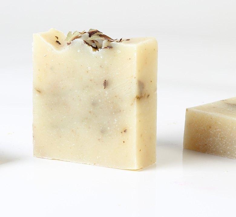 <h3>Daphne Soap</h3>